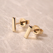 solid 14k yellow gold bar stud earrings 7mm x 2mm