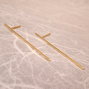 thin 18k gold stud earrings