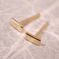 14k yellow gold bar studs 5mm